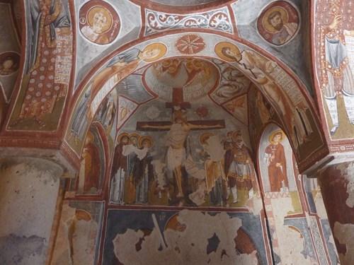 カッパドキアのギョレメ屋外博物館の教会内部