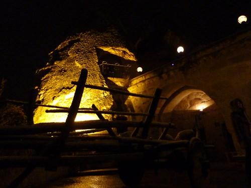 カッパドキアの洞窟ホテル(ケレベッキホテル)の夜