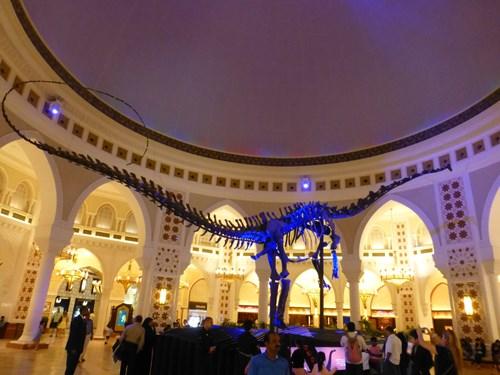 ドバイモールの恐竜の骨格標本