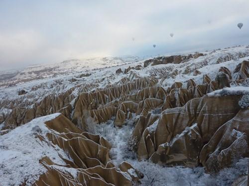 空の上から見た冬のカッパドキア(鳩の谷)
