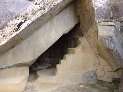 マチュピチュ遺跡 太陽の神殿と陵墓
