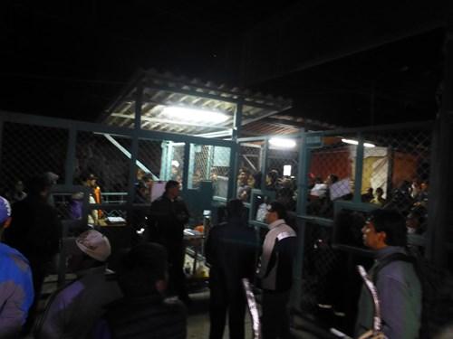 ストライキ中のオリャンタイタンボ駅