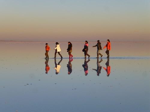 水鏡状態のウユニ塩湖