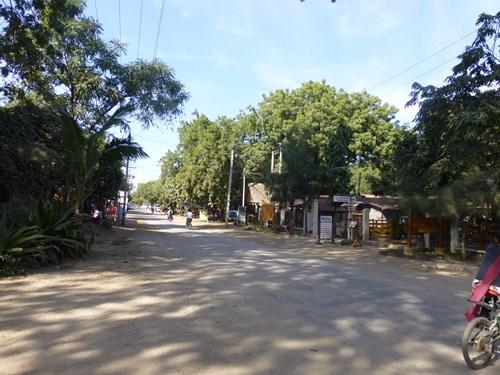 バガン・ニャウンウー村の風景