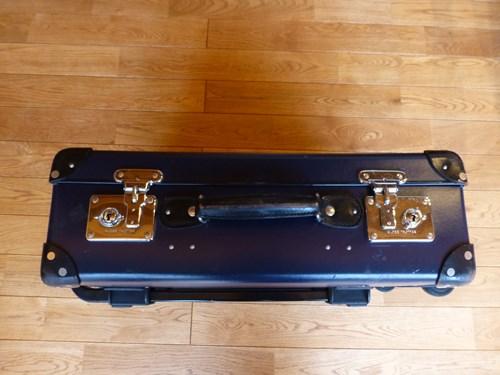 グローブ・トロッター(globe trotter)のスーツケース・サーフライダー