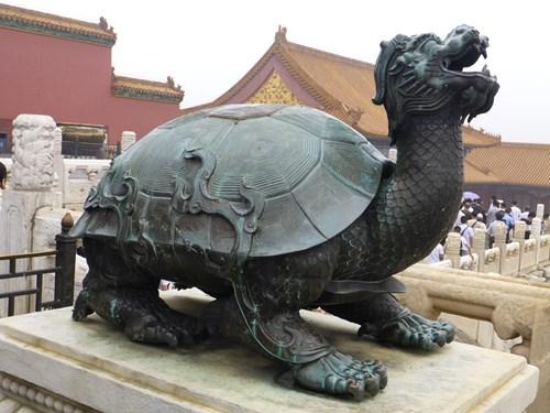 北京の故宮博物院(紫禁城)の亀の像