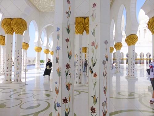 シェイク・ザイード・モスク内部の柱