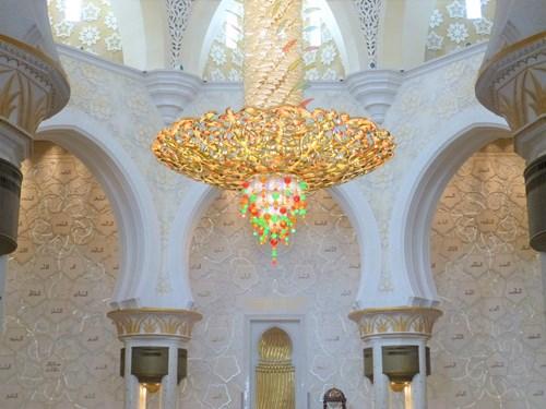 シェイク・ザイード・モスクのシャンデリア