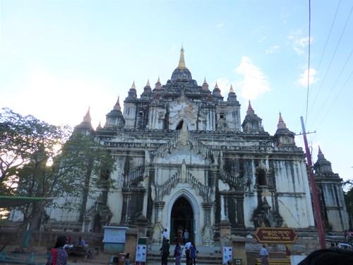 タビニュ寺院