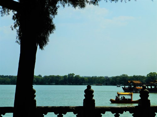 頤和園の昆明湖