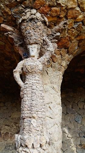 スペイン・バルセロナのグエル公園のブガデラの回廊(洗濯女)