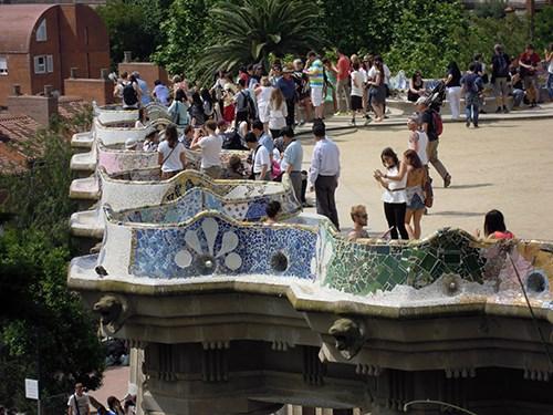 スペイン・バルセロナのグエル公園の中央広場