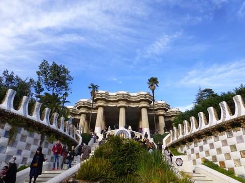 スペイン・バルセロナのグエル公園の階段