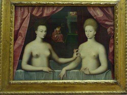 パリ・ルーブル美術館のガブリエル・デストレとその姉妹ピヤール公爵夫人とみなされる肖像画