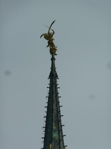 モン・サン・ミシェルの修道院の尖塔(大天使ミカエル)