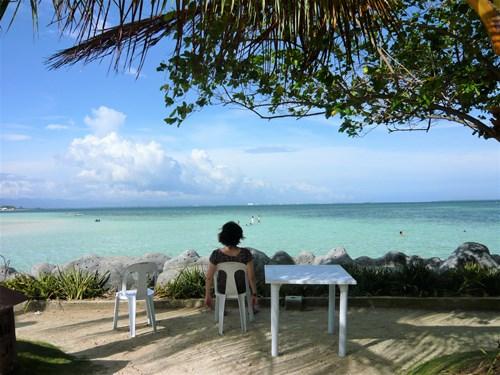 フィリピン・セブのナルスアン島で寛ぐ