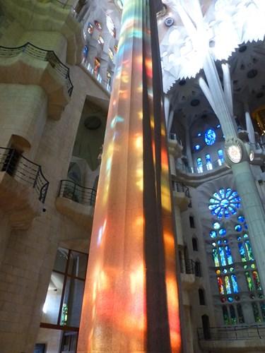 スペイン・バルセロナのサグラダファミリアの聖堂の柱