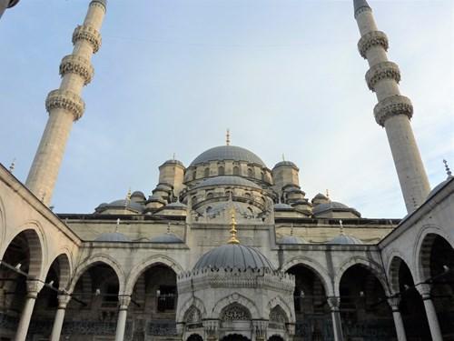 トルコ・イスタンブールのイェニジャーミィ