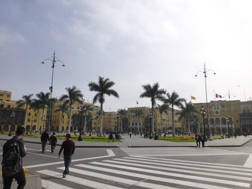 ペルー・リマのアルマス広場