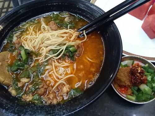 中国・上海浦東空港 No77ラウンジで作ってもらえる麺類