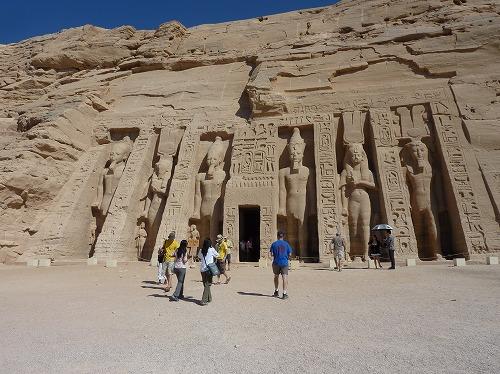 エジプト・アブシンベル小神殿