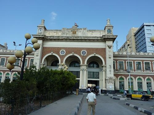 エジプト・アレキサンドリアのマスル駅外観