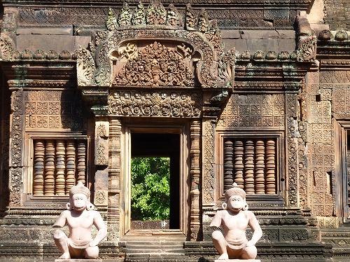カンボジア・アンコール遺跡群のバンテアイスレイ