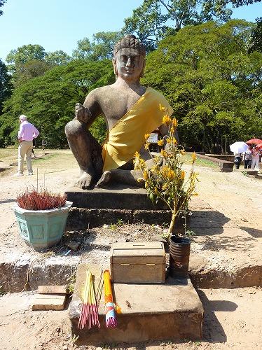 カンボジア・アンコール遺跡群のライ王のテラスにある仏像