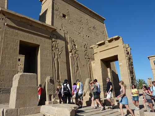 エジプト・アスワンのイシス神殿(フィラエ神殿)の塔門