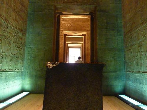 エジプト・アスワンのイシス神殿(フィラエ神殿)の至聖所