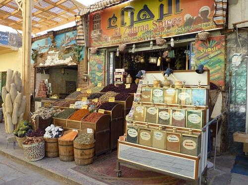 エジプト・アスワンのスークにある香辛料店
