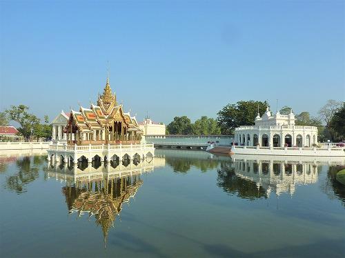 タイ・アユタヤ遺跡近くのバン・パイン宮殿のプラ・ティナン・アイサワン・ティッパイート