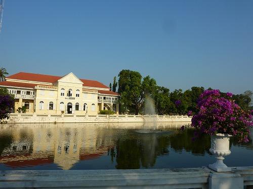 タイ・アユタヤ遺跡近くのバン・パイン宮殿