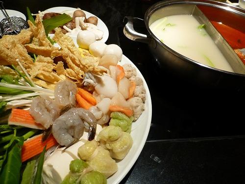 タイ・バンコクのコカ・レストランで食べたタイスキ