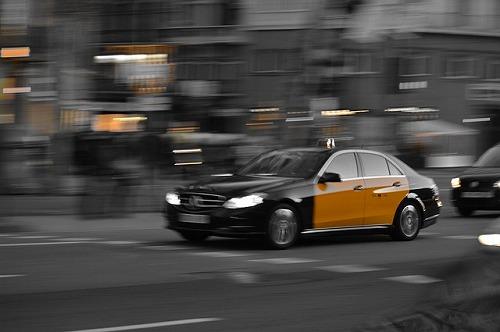 スペイン・バルセロナを走るタクシー