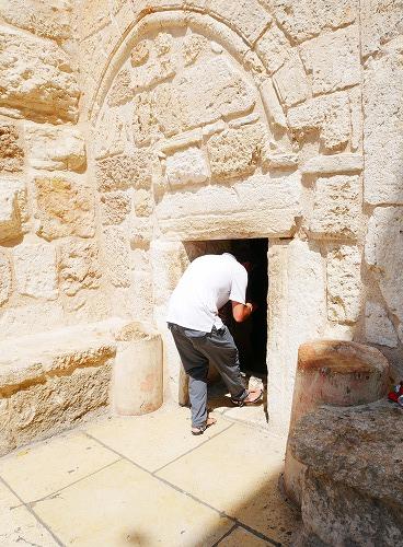ベツレヘム(パレスチナ)の聖誕教会の謙虚のドア