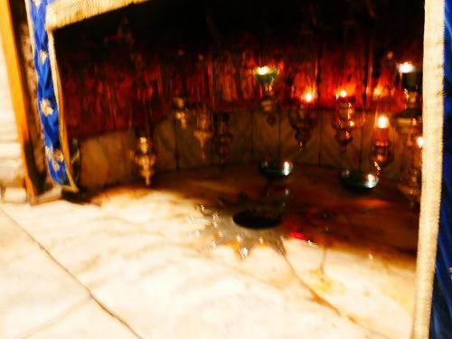 ベツレヘム(パレスチナ)の聖誕教会内部のキリストが生まれた場所
