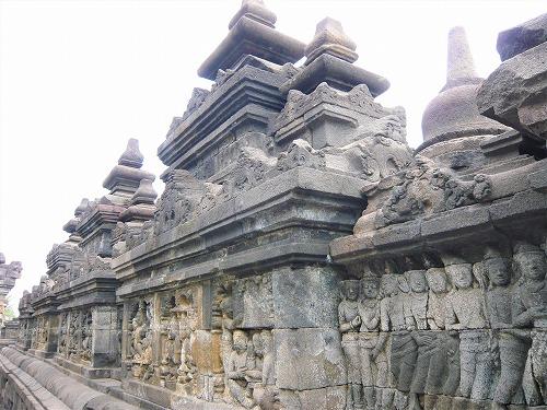 インドネシアのボロブドゥール遺跡のレリーフ