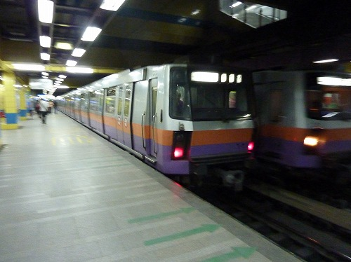 エジプト・カイロを走る地下鉄