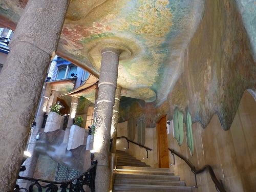 スペイン・バルセロナのカサ・ミラ内部(階段)