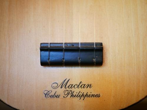 セブ島のアレグレギターで購入したウクレレ