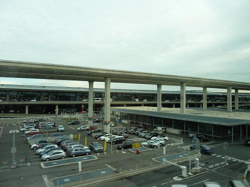 フランス・パリのシャルルドゴール空港のモノレール