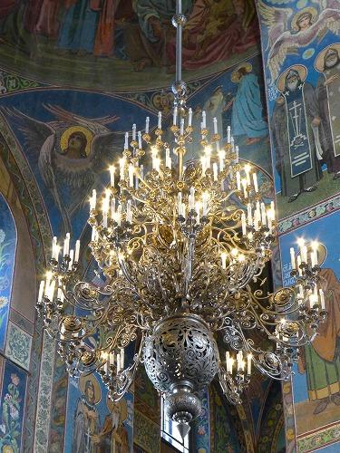 ロシア・サンクトペテルブルクの血の上の救世主教会のシャンデリア