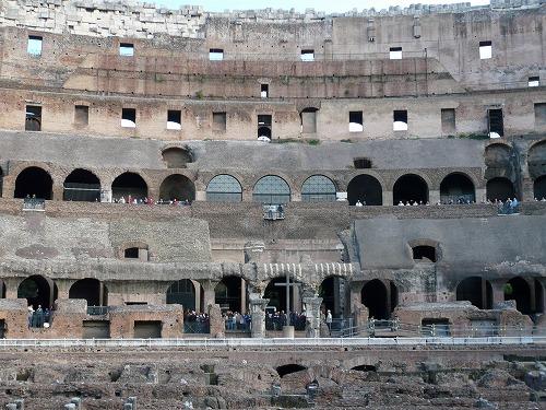 イタリア・ローマのコロッセオ内部