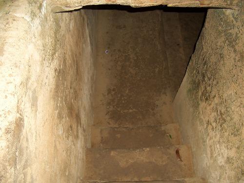 ベトナム・クチ(ベンディン)の地下トンネル内部