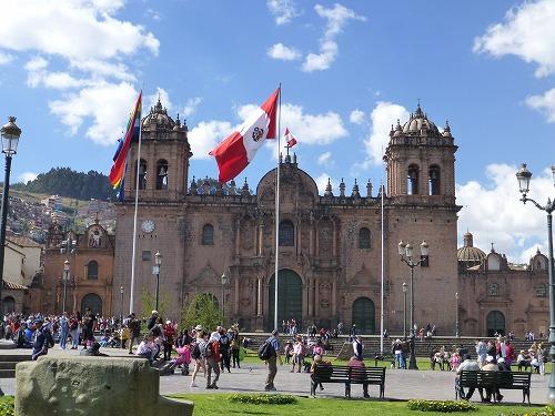 ペルー・クスコのアルマス広場に面するカテドラル
