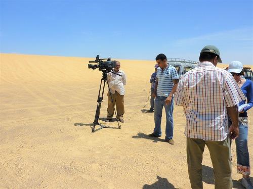 エジプトの砂漠でナイルTVの取材(準備中)