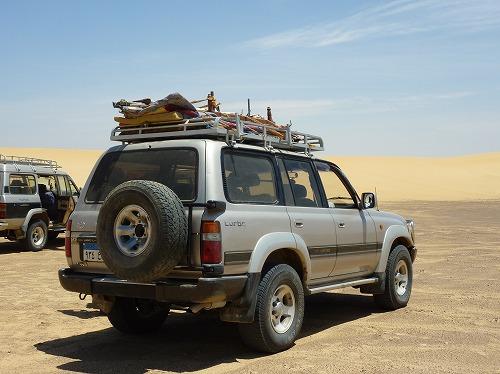 エジプト西方砂漠ツアーの車