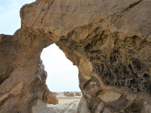 エジプト西方砂漠のクリスタルマウンテン