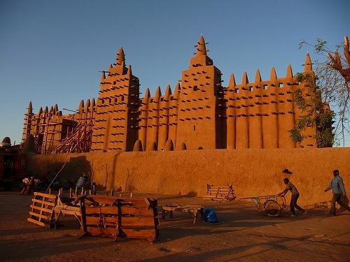 マリ・ジェンネの泥のモスク